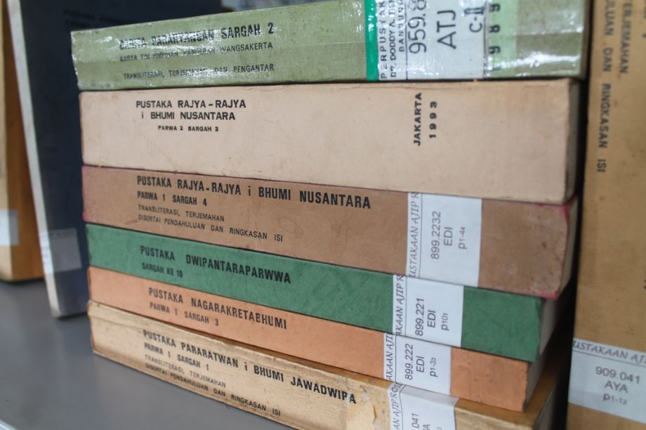Transliterasi dan terjemahan naskah-naskah Wangsakerta (foto: Ilham N.)